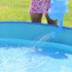 ビニールプールの水は入れ替える?消毒する?捨てる時の利用方法
